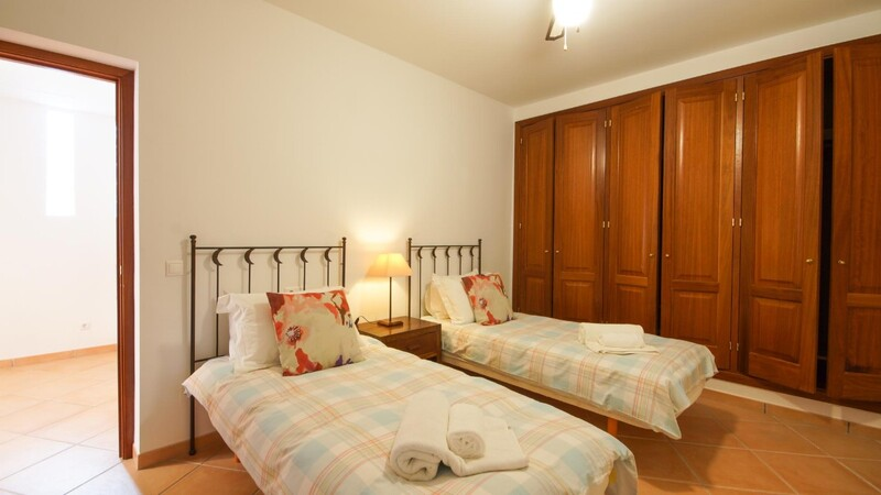 Villa in Costa de la Calma - Guest bedroom (2)
