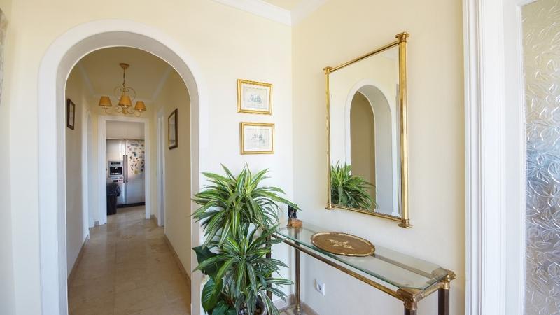 Detached Villa in El Toro - Port Adriano - Corridor