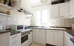 Detached Villa in El Toro - Port Adriano - Guest kitchen