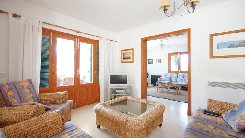 Detached Villa in El Toro - Port Adriano - Guest lounge