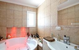 Detached Villa in El Toro - Port Adriano - Master bathroom