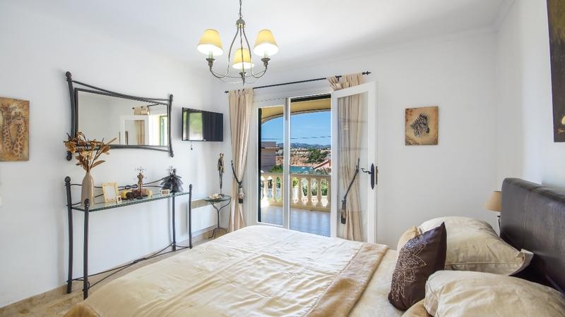 Detached Villa in El Toro - Port Adriano - Master bedroom