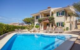 Detached Villa in El Toro - Port Adriano - Pool terrace