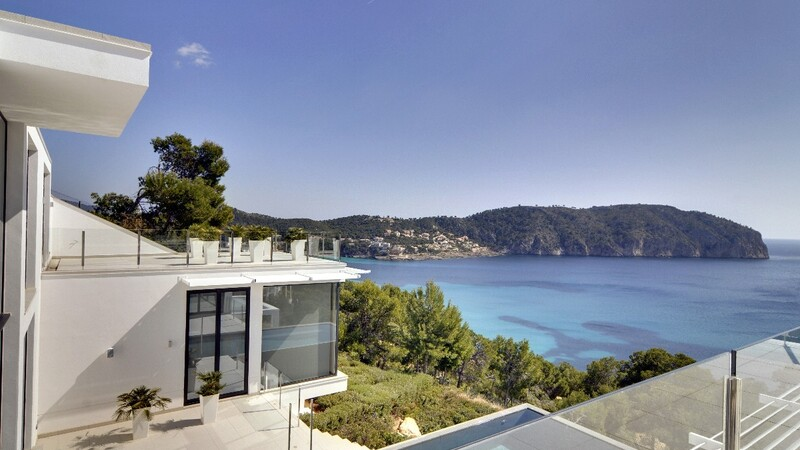 Detached Villa in Camp de Mar - Guest Bedroom Balcony view