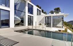 Detached Villa in Camp de Mar - Pool Terrace