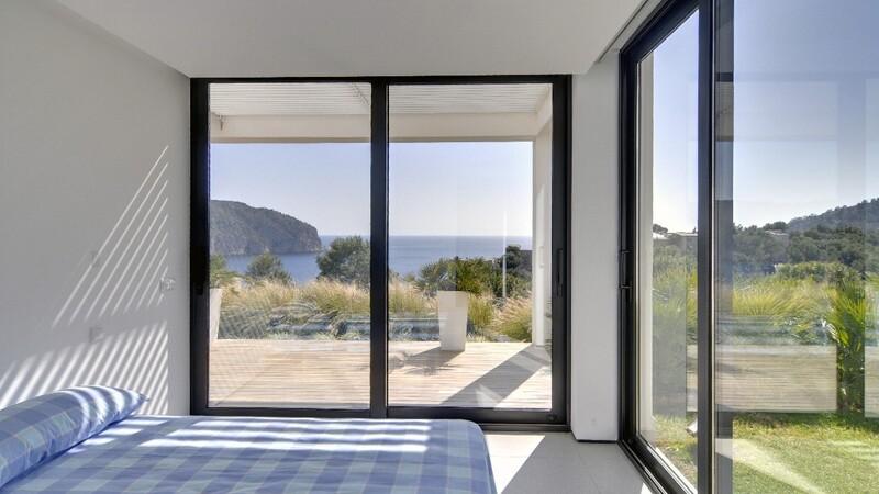 Detached Villa in Camp de Mar - Guest Bedroom 2