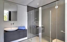 Detached Villa in Camp de Mar - Guest Shower