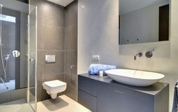 Detached Villa in Camp de Mar - Guest Shower 2