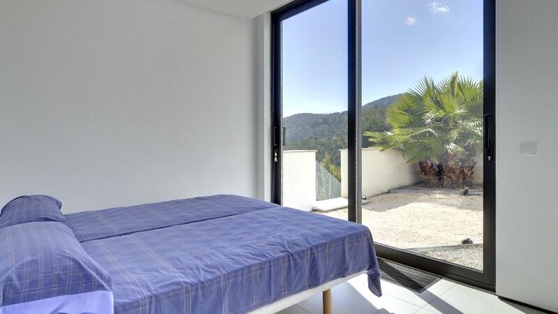 Detached Villa in Camp de Mar - Guest Bedroom 3