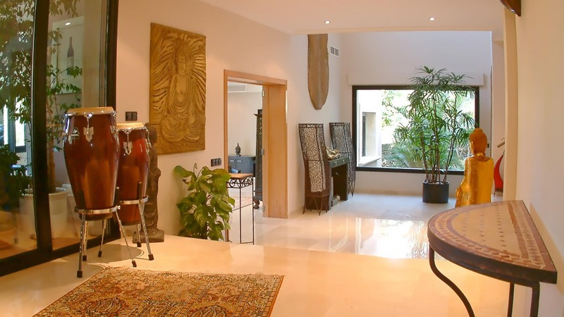 Detached House in Cala Vinyes - Open Hallway and Galleried Landing