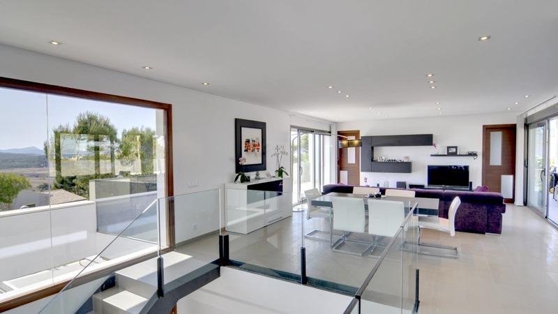 Detached Villa in Cala Vinyes - Living Space