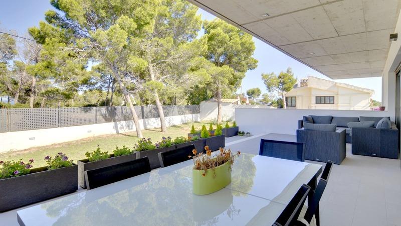 Detached Villa in Cala Vinyes - Covered terrace
