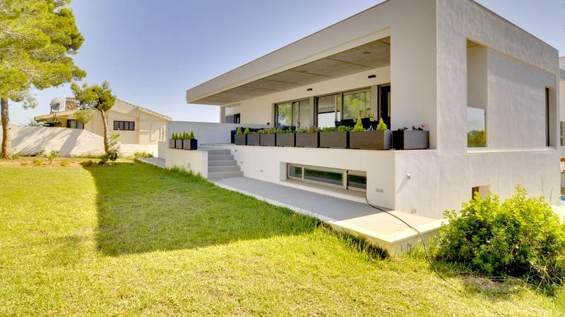 Detached Villa in Cala Vinyes - Modern house in Cala Vinyas