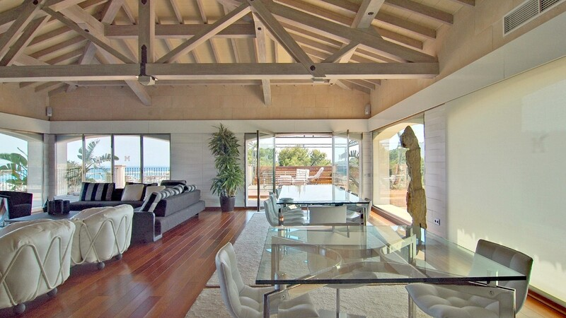 Duplex Penthouse in Palma de Mallorca - Living and dining room