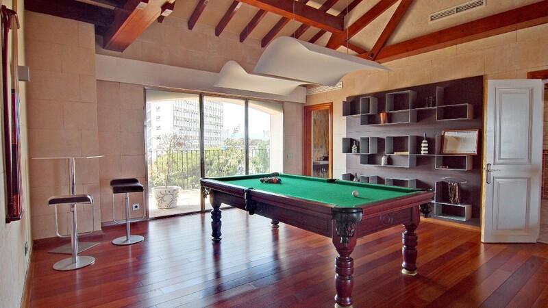 Duplex Penthouse in Palma de Mallorca - Pool room