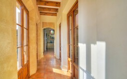 Villa in Camp de Mar - Hallway