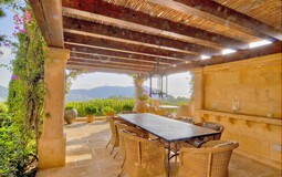 Villa in Camp de Mar - Covered outdoor dining