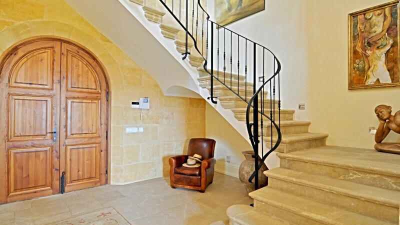 Villa in Camp de Mar - Entrance Hallway