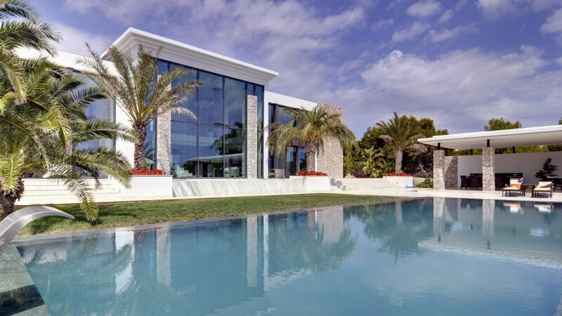 Villa in Nova Santa Ponsa - Modern glass villa