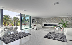 Villa in Nova Santa Ponsa - Living room with fireplace