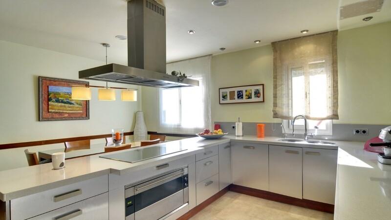 Detached Villa in Costa de la Calma - Modern kitchen