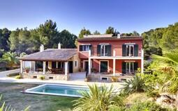 Detached Villa in Costa de la Calma - Sunny Villa for sale in Costa de la Calma