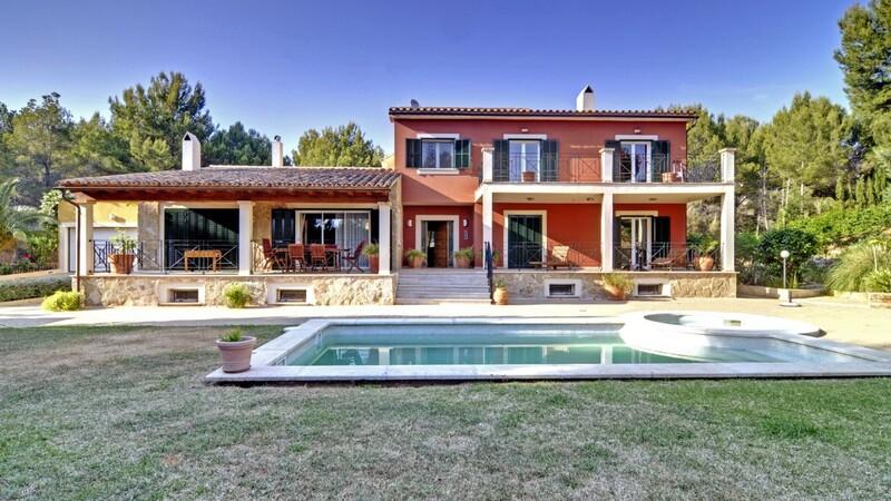 Detached Villa in Costa de la Calma - Villa with large pool and garden