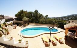 Detached Villa in Portals Nous - Pool with sun terrace