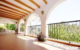 Detached Villa in Portals Nous - Covered Terrace