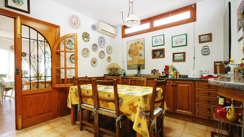 Detached Villa in Portals Nous - kitchen breakfast area