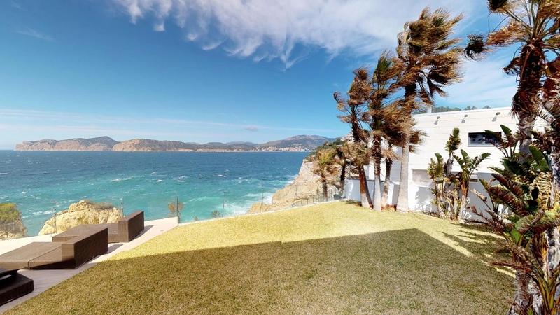 Villa in Nova Santa Ponsa - Garden first line