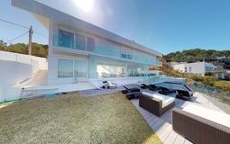 Villa in Nova Santa Ponsa - Modern first line villa