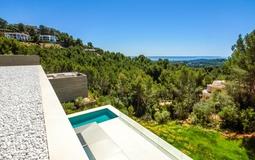 Villa in Son Vida - Upper terrace with pool and sea view