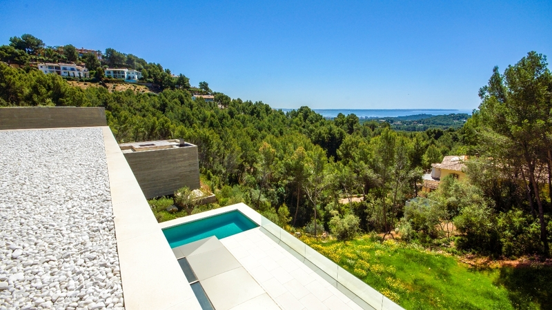 Villa in Son Vida - Upper terrace with pool and sea view