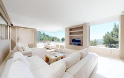 Villa in Son Vida - Bright living room with retractable glass and stunning views