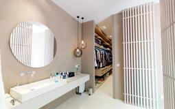 Villa in Son Vida - Master en-suite with dressing area