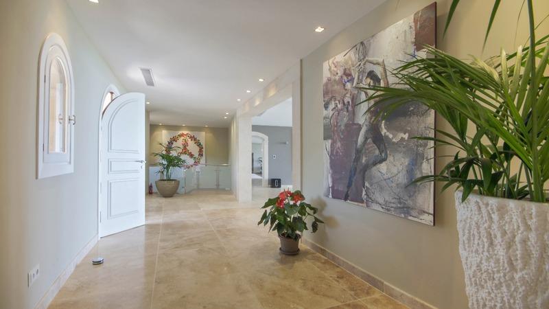 Detached Villa in Costa D´en Blanes - Entrance corridor