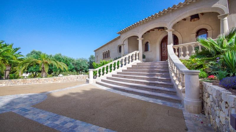 Detached Villa in Costa D´en Blanes - Entrance stairway