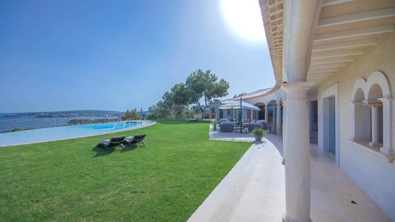 Detached Villa in Costa D´en Blanes - Pool terrace