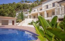 Villa in Son Vida - Pool and Building view