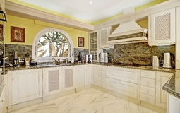 Villa in Camp de Mar - Luxury kitchen