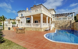 Villa in Camp de Mar - Desirable Villa in Camp de Mar