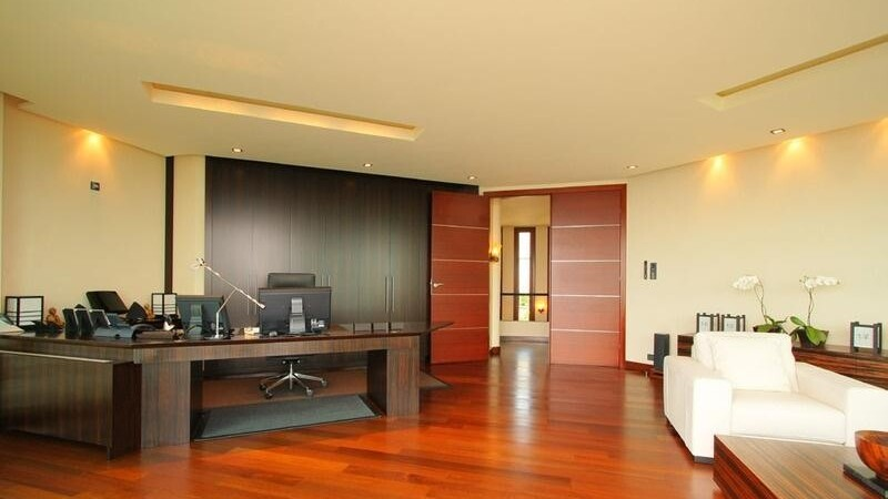 Villa in Son Vida - office