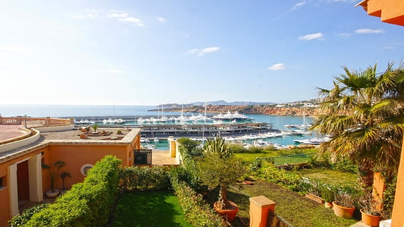 Townhouse in Port Adriano - Pleasant views