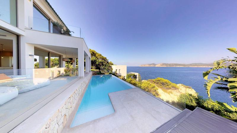 Villa in Nova Santa Ponsa - Deluxe First Line Villa overlooking the malgrats