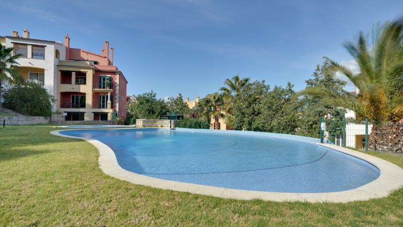 Penthouse in Santa Ponsa - Pool area