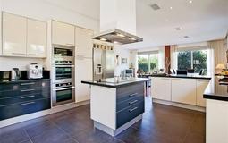Villa in Cala Vinyes - Modern fitted kitchen