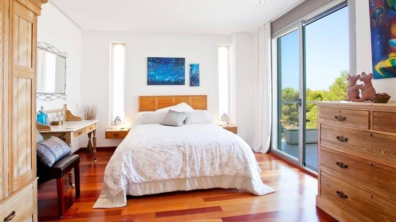 Villa in Cala Vinyes - Bright master bedroom area