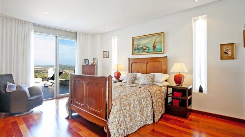 Villa in Cala Vinyes - Spacious bedroom with panoramic views