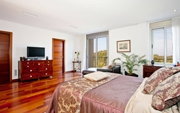 Villa in Cala Vinyes - Bedroom with parquet floor